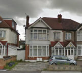 2 bed Ground Flat in Cranbrook Road...