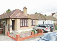 3 bedroom Bungalow to rent in Gordon Road, Romford