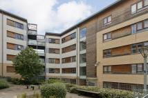 2 bed Penthouse in Stephenson Close...