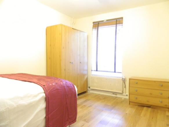 1st Bedroom alt