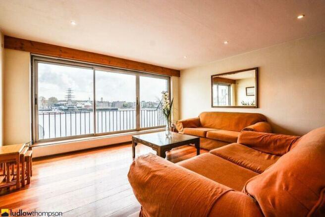 Livingroom Alt