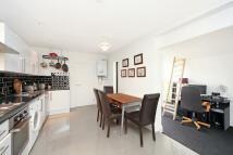1 bedroom Flat in Chiswick Lane, Chiswick...