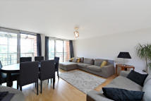 Holland Gardens Flat to rent