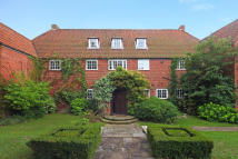 9 bed Detached property in Dartmouth Place...