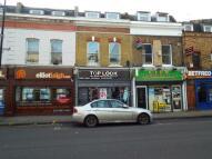 Flat in Roman Road, London