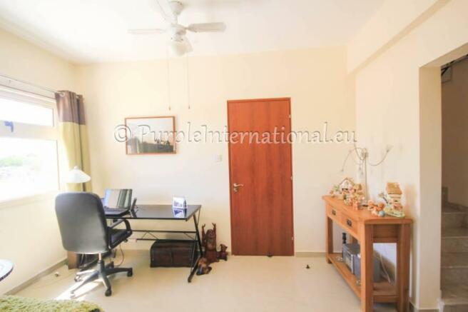 lounge/computer area