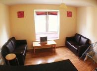 4 bedroom Apartment in Gwennyth Street, Cathays...
