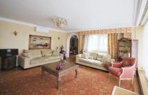 5 bedroom Flat in Avenue Road...
