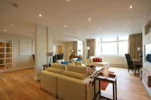 3 bedroom Flat in Park Towers...