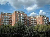 Flat to rent in Regent Court...