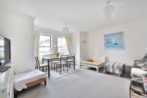 2 bedroom Ground Flat to rent in DENTS ROAD, London, SW11
