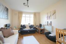 Flat to rent in Ashdown Way, London, SW17