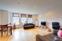 2 bedroom Flat in Station Parade, London...