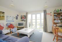 3 bed Terraced house in LYHAM ROAD, London, SW2