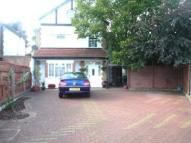 Maisonette to rent in Spring Grove Road...