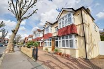 5 bed house to rent in Hart Grove, Ealing, W5