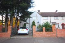 2 bedroom house to rent in London Road, Brentford...