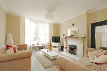 Ground Flat to rent in Barry Road, East Dulwich