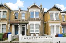 2 bedroom Ground Flat in Fernholme Road, London...