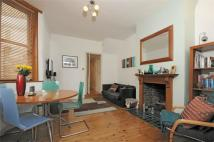 2 bed Ground Flat to rent in Fernholme Road, London...