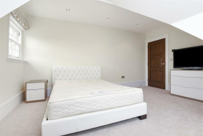 387 Woodstock Road - bedroom four.jpg