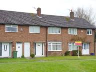 625 bed Terraced home in Mill Park Drive...