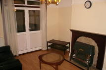 Flat to rent in Ruislip Close, Greenford...