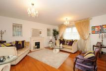 5 bedroom Detached home in Heatherlea Grove...