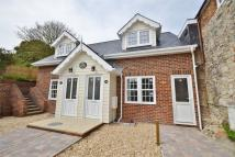 1 bedroom semi detached property in Carisbrooke...