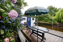 House Boat in Swan Island, Twickenham...