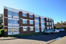 2 bedroom Flat in Carlton House, Hounslow...