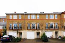 4 bed property in Pulteney Close...