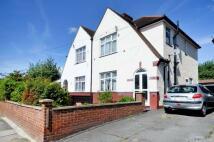 3 bedroom house in Heath Road, Hounslow, TW3