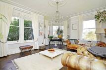 4 bedroom Flat in Clevedon Road...