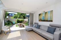 5 bed Terraced home in Grove Avenue, Twickenham...