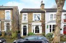 2 bedroom Flat in Becondale Road...