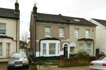Flat to rent in Holmesdale Road...