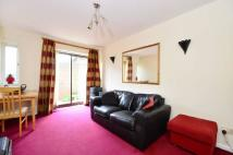 1 bedroom Flat in Beechwoods Court...