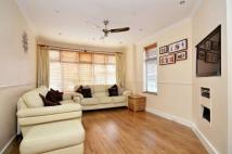 3 bedroom property in Hythe Road...
