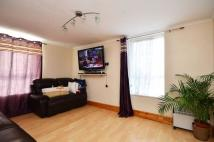2 bedroom Flat in Ross Road, South Norwood...