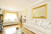 5 bedroom property in Covington Way, Norbury...