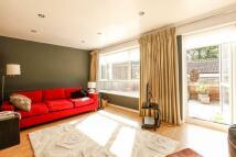 Maisonette to rent in Seymour Villas, Anerley...