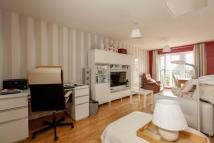 Flat in Worcester Close, Anerley...