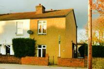 2 bedroom house to rent in Heath Road...