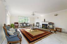 5 bed property in Spurgeon Avenue...