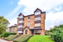 Maisonette in Orchard Grove, Anerley...
