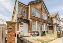 3 bed Maisonette in Park Road, South Norwood...