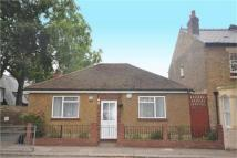 2 bed Detached Bungalow to rent in Linkfield Road, Isleworth