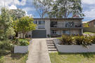 5 bed home in 17 Kooringal Close...