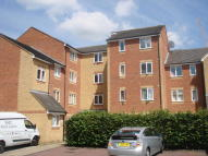 Flat to rent in Burket Close, Southall...